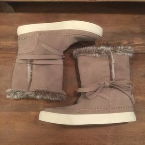 Toms Vista Suede Faux Fur Boots Taupe